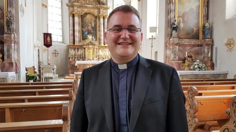 Dominic Ehehalt feiert am Sonntag in der Wullenstetter Pfarrkirche seinen ersten Gottesdienst nach seiner Priesterweihe.