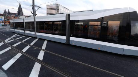 Die neue Tramlinie in Ulm kurbelt die Fahrgastzahlen an.