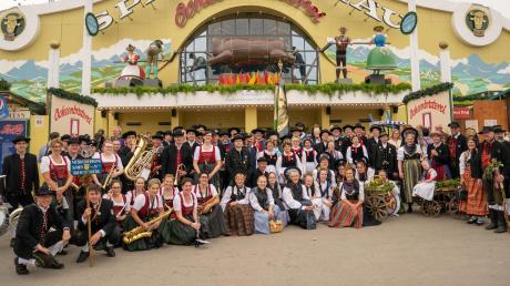 Copy%20of%20Trachten_Wiesn.tif