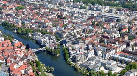Eine Luftaufnahme des Neu-Ulmer Stadtteils Stadtmitte. Zum Jahreswechsel zählte das Gebiet 19872 Einwohner. Doch seine Entstehung war ziemlich mühsam.