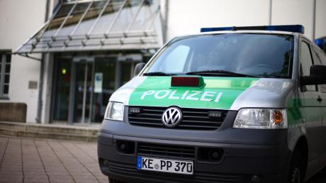 Wegen Brandstiftung müssen sich eine 80-Jährige und ihr 48-jähriger Sohn derzeit vor dem Landgericht Memmingen verantworten.