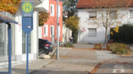 Die Bushaltestelle am Gasthof Zahn in Unterelchingen ist in einem schlechten Zustand und soll saniert werden.
