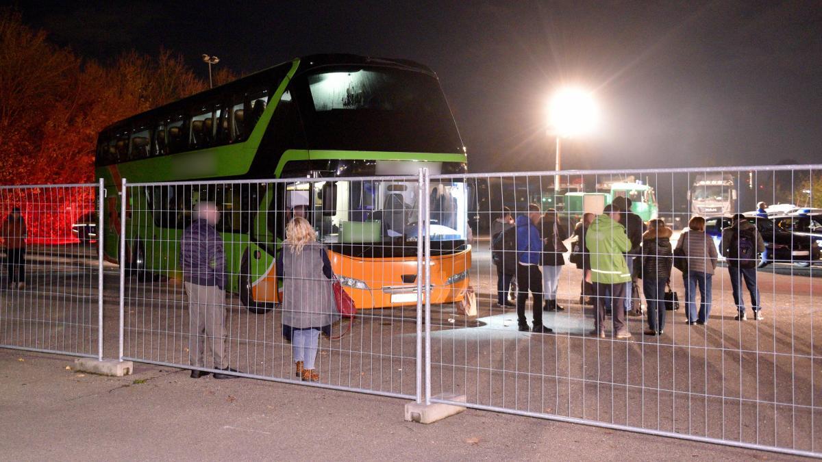 Steuerschulden: Zoll setzt Fernbus bei Dornstadt fest - Augsburger Allgemeine