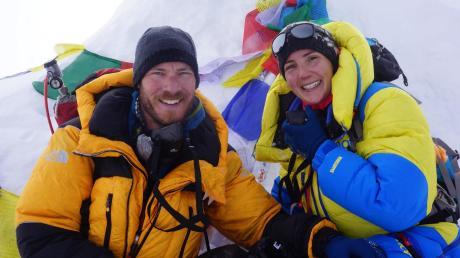 Marina und Chris Keller aus Elchingen haben bei einer sechswöchigen Expedition nach Nepal den 8156 Meter hohen Berg Manaslu bestiegen.