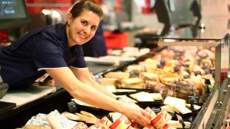 """Cornelia """"Conny"""" Schmid stammt aus Pfuhl und hat sich über die Traditionsmetzgerei hinaus einen Namen gemacht: Sie ist auch Geschäftsführerin des Tagesrestaurants """"48 Grad Nord"""" in Neu-Ulm."""