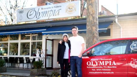Gino Noviello ist seit 2013 Pächter der Restaurants Olympia in Offenhausen. Er und seine Frau Daniela Hadziefendic haben derzeit einen Rechtsstreit mit ihrem Verpächter: Dieser verkaufe unter demselben Namen und der bisherigen Telefonnummer nun selbst Pizzen – und versuche Kunden und Mitarbeiter abzuwerben.