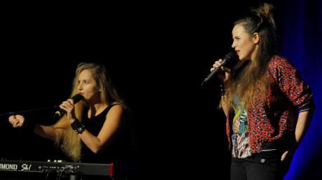 Ariane Müller (links) und Julia Gámez Martin nehmen als Comedy-Duo Suchtpotenzial kein Blatt vor den Mund.