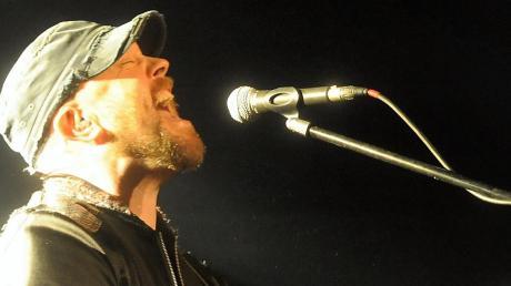 Sänger, Komponist und Gitarrist Ryan Sheridan war im Roxy.