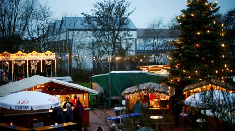 Auf dem Weihnachtsmarkt Nersingen können Gewinnlose gegen Preise eingelöst werden.