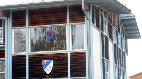 Die Mitglieder des Sportvereins Oberelchingen wollen Zuschüsse für den Bau einer Fotovoltaikanlage. Der Antrag war bei den Gemeinderäten umstritten.