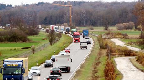 Die chronisch verstopfte B10 zwischen Neu-Ulm und der A7-Anschlussstelle Nersingen wird vierspurig ausgebaut.
