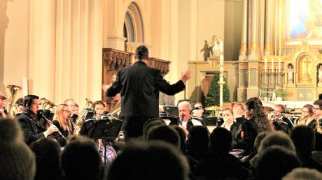 Die Stadtkapelle Weißenhorn unter der Leitung von Rainer Wörz zeigte ihr Können beim Konzert in der Stadtpfarrkirche der Fuggerstadt.