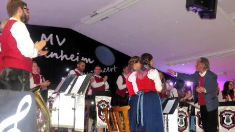 """Der Musikverein Steinheim bestritt zusammen mit der """"Juka Eintracht 98"""" ein gelungenes Konzert in Steinheim."""