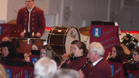 Der Musikverein Pfaffenhofen spielte sein Adventskonzert in der frisch renovierten Kirche St. Martin.