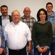 Acht Kandidaten bewerben sich für die Freien Wähler Holzheim. Vorne (von links) Kathrin Tospann, Karl Junginger, Michaela Lammich und Peter Molnar. Hinten (von links) Harald Straßer, Jörg Jehle, Heiko Wiora und Michael Kraus.