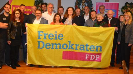 Kandidaten der FDP für die Wahl des Kreistags im März 2020. Mit dabei sind auch Vertreter zweier anderer Gruppierungen.