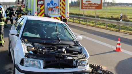 Eine 36-Jährige ist gegen eine Leitplanke gefahren und dann auf der Autobahn stehen geblieben. Sie war mit ihrem Baby unterwegs.