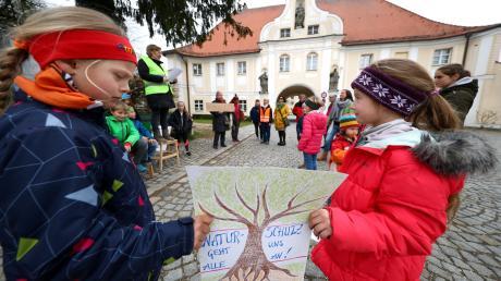 """Unter dem Motto """"Fridays for Future"""" sind schon viele, vor allem junge Menschen auf die Straße gegangen, um für mehr Klimaschutz zu demonstrieren. Auch in Roggenburg gab es eine Demo. In Weißenhorn sollen die Bürger beim Thema Klimaschutz im Rahmen einer """"Stadtwerkstatt"""" mitreden."""