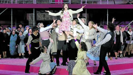 """Im Sommer 2019 wurde in Ulm """"Evita"""" vor vielen Zuschauern gezeigt."""