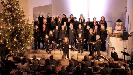 Zahlreiche Besucher verfolgten das gelungene Konzert des gemischten Chors Achorde unter der Leitung von Carola Hosch in Vöhringen.