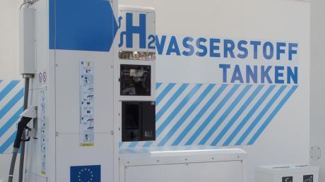 Wasserstoff-Tankstellen wie hier in Dresden könnten Teil des Konzepts  werden.