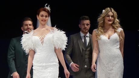 Hochzeitskleider waren in Ulm am Sonntag massig zu sehen.
