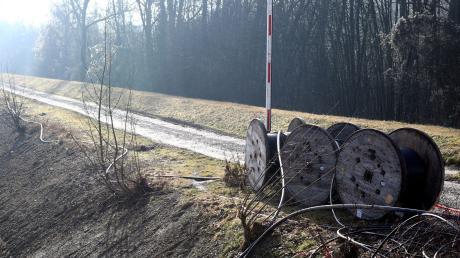 Die Iller bekommt neuen Kies. Der Uferweg zwischen Senden und Illerzell ist deshalb ab Montag wochenlang gesperrt.