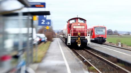 Ein Gutachten schlägt vor, dass die Illertalbahn nur auf zwei Abschnitten zweigleisig ausgebaut wird. Einer beginnt am Haltepunkt in Gerlenhofen (hier im Bild) und endet in Senden, der andere erstreckt sich zwischen Kellmünz und Pleß im Unterallgäu.