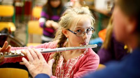 """Auch Flötistinnen und Flötisten können sich diesmal bewerben. Der diesjährige Kulturpreis der """"Stiftung Neu-Ulm"""" wird in der Kategorie """"klassische Instrumentalmusik, Solo"""" vergeben, die Gewinnern werden mit bis zu 2500 Euro gefördert."""