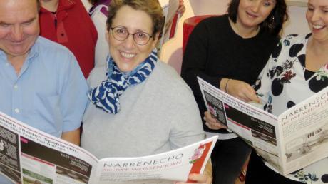 Amüsierte Gesichter in der Redaktion des Narrenechos der IWF Weißenhorn (von links): Karl-Heinz Vogel, Andreas Schikotanz, Ute Simon, Karola Dirr-Simons, Lilly Mareis und Linda Aspenleiter.
