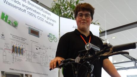 Julian Ruess mit seinem Elektro-Fatbike mit Brennstoffzellen-Antrieb. Der umgebaute Akku hat eine Reichweite von 260 Kilometern.