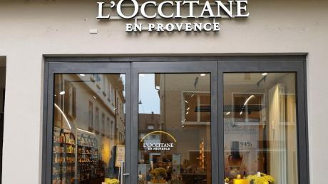 Eine Straße und drei internationale Kosmetikkonzerne. In die Nachbarschaft von The Body Shop und Lush hat sich jetzt der französische Mitbewerber L'Occitane begeben.