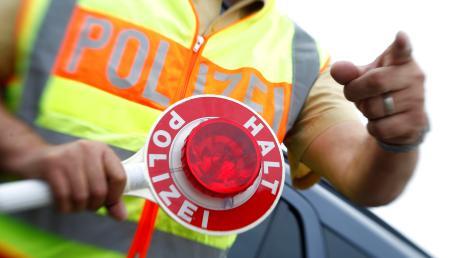Die Polizei hat Helm-, Gurt- und Handy-Kontrollen verstärkt.