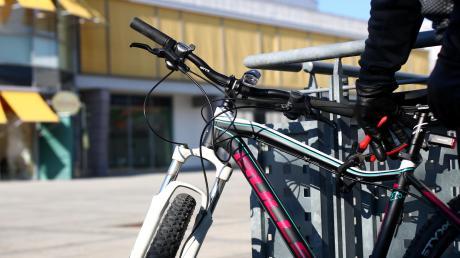 In Senden wurden im Jahr 2019 mehr Fahrräder gestohlen als im Jahr zuvor. Oft waren sie – anders als dieses Modell vor dem Bürgerhaus – nicht abgesperrt.