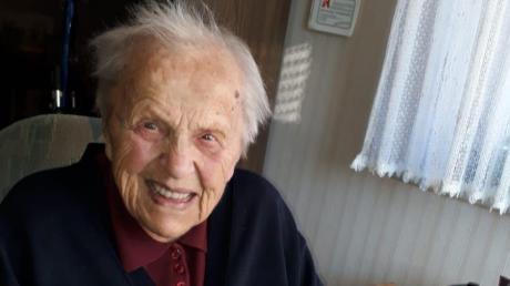 Einen hübschen Kuchen hat Katharina Walder zu ihrem 100. Geburtstag bekommen.
