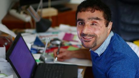 Der irakische Flüchtling Hady Jako arbeitet derzeit an seinem ersten Buch, in dem er über sein Leben schreibt.