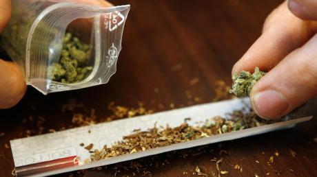 Die Männer handelten mit kiloweise Marihuana.