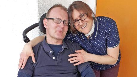 Ein Bild aus besseren Tagen: Tanja Schirmer und ihr Mann vor Beginn der Pandemie.