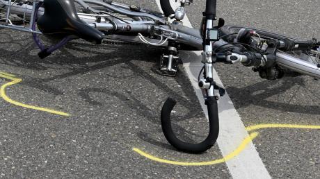 Ein Radfahrer wurde bei Ulm–Wiblingen schwer verletzt.