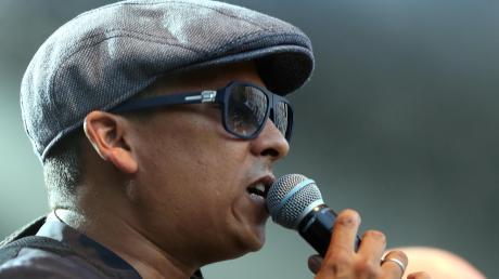Xavier Naidoo soll im Frühjahr 2021 in Ulm auftreten. Doch jetzt steht dieser Vertrag mit dem umstrittenen Künstler massiv in der Kritik. Das Management des Sängers äußert sich aktuell nicht zu diesem Fall.