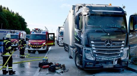 Das Führerhaus des Lastwagens brannte aus.