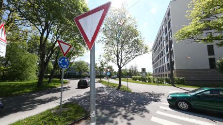 Der Allgäuer Ring und die Kreuzung an der Reuttier Straße sind die Stellen im Stadtgebiet, wo es häufig zu Unfällen kommt. Bereits 2016 wurden Maßnahmen vorgestellt, um die Lage übersichtlicher zu machen. Jetzt machen einige Stadträte Druck.