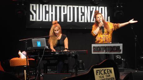Das Duo Suchtpotenzial spielte im Ulmer Roxy – zwar nur vor wenigen Fans, aber immerhin wieder vor Publikum.