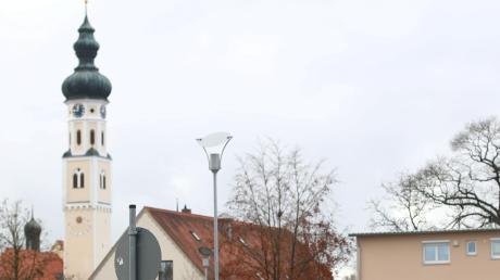 Die Einfahrt von der Hauptstraße in den Schwesternweg in Pfaffenhofen bleibt gesperrt.