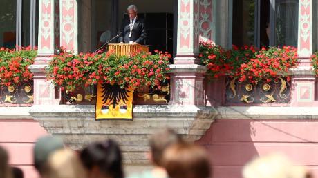 Gunter Czisch 2019 auf dem Balkon des Schwörhauses.