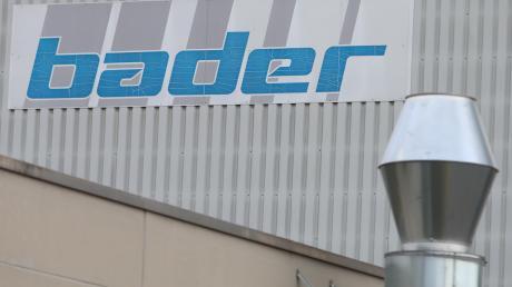 Seit einiger Zeit steht fest, dass die Firma Bader ihren Stammsitz in Senden schließt. Mitarbeiter und Gläubiger der Firma sind sauer – unter anderem zeigten sie das auf einer Gläubigerversammlung.