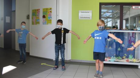 Der Mundschutz ist an der Grundschule Thalfingen fest im Alltag integriert und auch auf den nötigen Abstand achten die Kinder genau.