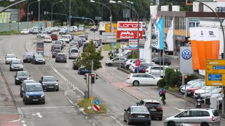 Gibt es künftig eine eigene Trasse für Busse, Straßenbahn oder Seilbahn auf der Memminger Straße? Dazu ist eine Untersuchung geplant.