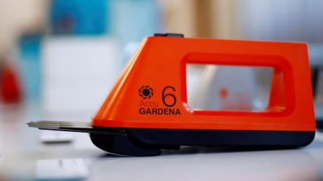 Gardena bietet seit den 1970er Jahren Akkugeräte für sämtliche Anwendungen im Garten an. Basis dafür ist künftig die Akku-Technologie von Bosch, die ihr Akku-System für andere Hersteller geöffnet hat.