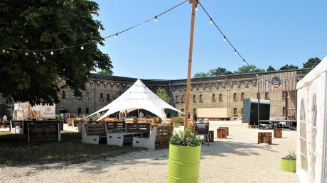 Die Burg wird zum Biergarten – und zum Veranstaltungsort eines bunten und vielfältigen Programms.